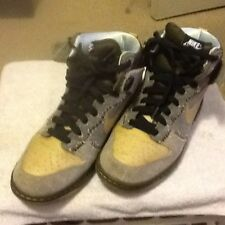 Nike dunk sb coraline high size 10.5  Unkle Paris supreme