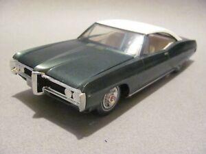 Vintage MPC 1968 Pontiac Bonneville Hardtop Built Kit - Verdoro Green, Excellent