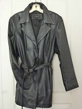 BEAUTIFUL PRE-OWNED 100% LEATHER JACKET BY COLEBROOK SIZE L, IN GOOD CONDITION!