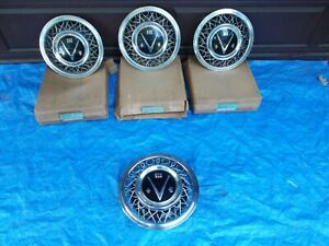 NOS Full Set Buick V EIGHT Wire Hubcaps Roadmaster V8 322 Wheel Covers 981435