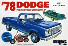 1978 Dodge D100 Custom Pickup with Minibike 1/25 MPC 901 Plastic Model Kit