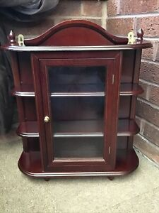 SMALL VINTAGE WOOD DISPLAY CABINET FREESTANDING OR WALL HANGING