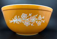 Vintage Pyrex Butterfly Gold 1979 Redesign 403 Mixing Bowl