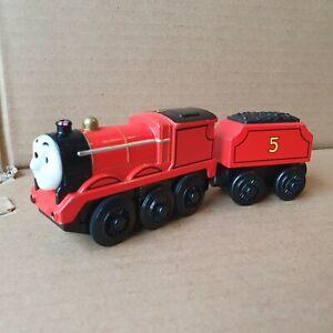 James & Tender Thomas & Friends Diecast Battery Powered Motorised Train Y4111
