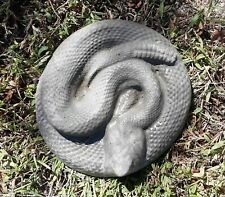 Rattlesnake concrete yard decoration