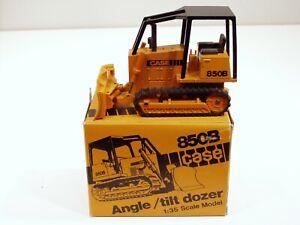 Case 850B Dozer - o/c - 1/35 - NZG #176 - MIB