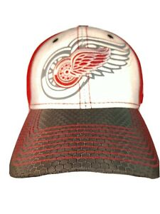 Detroit Red Wings NHL 39 New Era Carbon Fiber look Fitted S/M