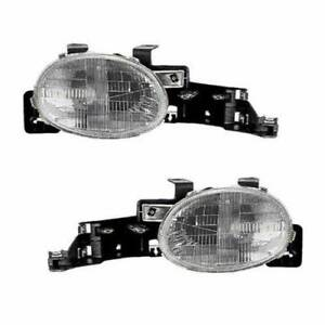 Eagle Eyes OEM Replacement Head Light Assemblies for 95-99 Dodge/Plymouth Neon