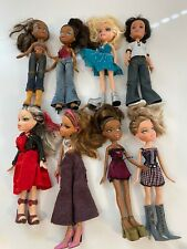 LARGE 16 BRATZ DOLL COLLECTION LOT CLOTHES SHOES