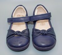 """Softly Nia"" Clark's Baby Girls Navy Leather Shoes size 5.5 G."
