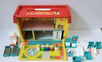 Vintage Fisher Price Little People Play Family Childrens Hospital Playset #931