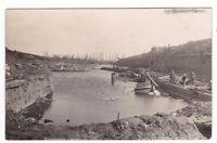 uralte AK Photo-AK La Bassee Canal, durch feindliche Artillerie zerstört //08