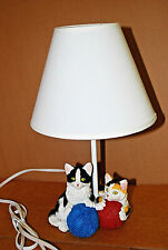 Black & White Cat & Calico Cat Table Lamp Continental Creations   #1006   M4167