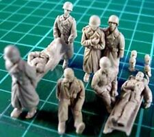 Milicast FIG024 1/76 Resin WWII US Wounded/Stretcher Party in Greatcoats-8 Figs.