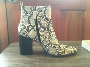 SCOOPS SNAKESKIN WOMENS SIZE 10 BOOTS