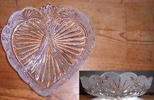 Glasschale Herzform und Blumenverzierung - Dekoschale - wie neu