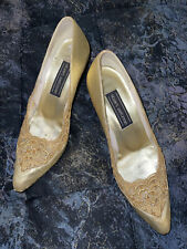 Stuart Weitzman Lace Vamp Pumps Heels Womens 7.5M Gold Pointed Toe Slip On Shoes