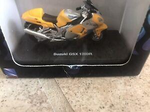 """NEW RAY SUZUKI GSX 1300R DIE CAST 2 3/4"""" 1:32 Scale"""
