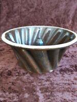 Alte Keramik  Backform Gugelhupf  Ø 21 cm / Höhe 10 cm dunkelbraun