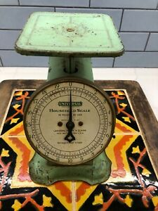 Vintage Universal Family Kitchen Scale Landers Frary & Clark 20 lbs Green Metal