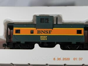Walthers Trainline HO Scale BNSF Wide Vision Caboose