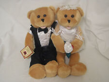 CHANTILLY LANE BRIDE & GROOM TEDDY BEARS Plays LOVE & MARRIAGE