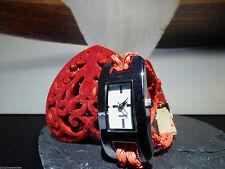 Markenlose Armbanduhren mit Kunstleder-Armband und mattem Finish