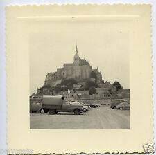Mont Saint Michel voitures anciennes - Photo ancienne an. 1950