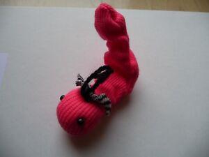 Haarspange  Süsses  Würmchen--- mit Schleife  in Leucht- Pink----- Neu