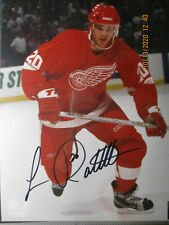 DETROIT RED WINGS LUC ROBITAILLE AUTOGRAPHED 8 X 10 PHOTO