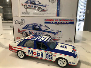 1:18 1985 Bathurst Peter Brock -- Holden VK Commodore -- Classic Carlectables