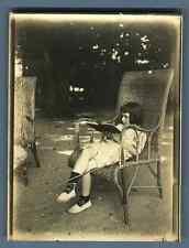 Petite fille lisant  Vintage silver print  Tirage argentique  9x12  Circa