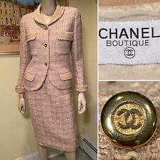 Authentic CHANEL Size 8/Medium Beige White Wool-Knit Tweed Boucle Skirt Suit