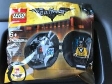 LEGO The Batman Movie Battle Pod 5004929 NEW & SEALED Cave Tiger Tuxedo Suit
