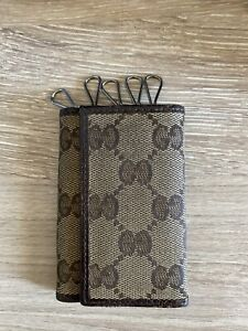 Authentic GUCCI 260989 GG Canvas Key Holder Key Chain Khaki / Brown