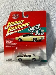 459-02.1 (2002) JL 1972 Pontiac Grand Prix #391. Super 70s Series R2.