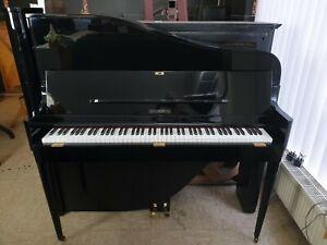"""Design-Klavier in schwarz poliert, ein absoluter """"Hingucker"""" - überholt/gestimmt"""