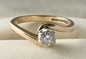 VINTAGE 9CT GOLD SOLITAIRE DIAMOND RING TWIST DESIGN SETTING, UK SIZE G 1/2