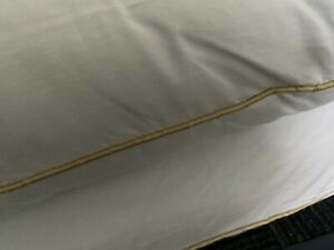 LUXURY HOTEL QUALITY EGYPTIAN COTTON NON-ALLERGENIC PAIR OF FIRM BED PILLOWS