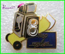 Pin's Histoire de la Photographie Appareil photo press Labo Modéle 1960 PLS9 #H2