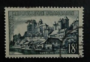 Timbre poste. France. n°1040.. série touristique. Uzerche. année 1956.