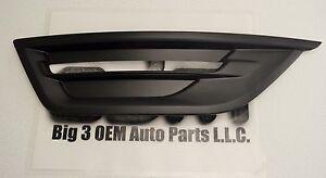 2013-2015 Ford Taurus RH Passenger Side Fog Light Bezel new OEM DG1Z-17E810-BA