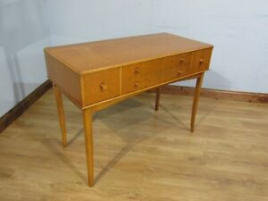 STUNNING QUALITY VINTAGE MAPLE WOOD SERVING WRITING TABLE DESK