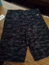 BRAND NEW Vans Men's Camo Cargo black/tan/brown Shorts Size 28