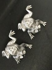 2 Small Solid Pewter Frog Frogs Noah's Ark Silver Metal Figurine Lapel Pin Pins