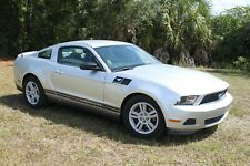 2012 FORD MUSTANG COUPE AUTOMATIK MIT 63000 gelaufen sehr schoen