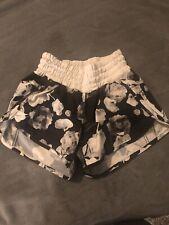 lululemon tracker shorts size 4