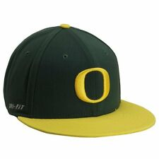 Nike Oregon Ducks Player's True Swoosh Flex Hat - Green