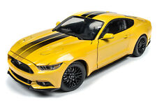 1:18 AUTO WORLD AMERICAN MUSCLE YELLOW 2016 Ford Mustang GT NIB!