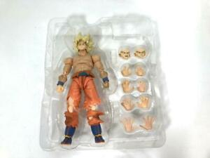 Goku Super Saiyan Custom S.H. Figuarts Shirtless Awakening Body